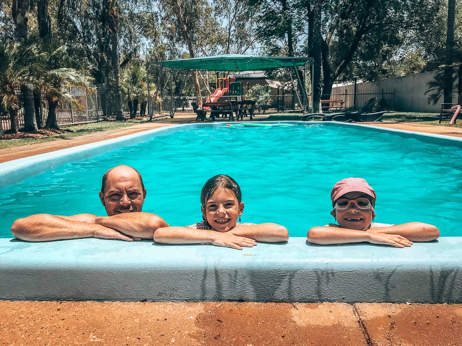 Familie Camping Alice Springs Australië