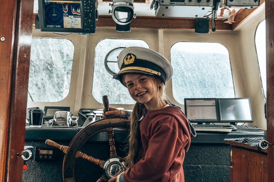 Cruise Milford Sound Boat Kid Fun New Zealand