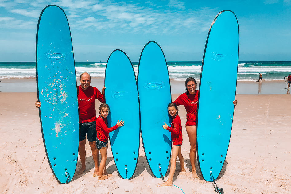 Familie Family Surf Lesson The Global Wizards Go Ride A Wave