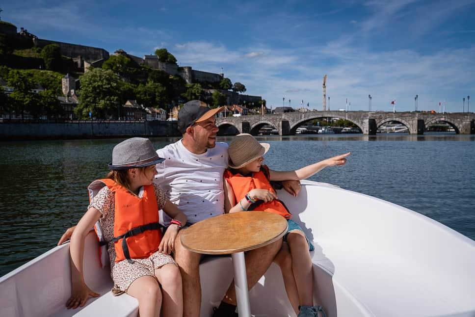 Les Capitainneries de Namur Boottocht Namen Gezin